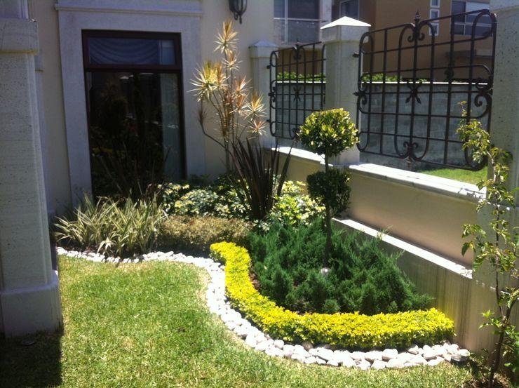 "Jardinera en esquina ""L"" Vivero Sofia Jardines mediterráneos"