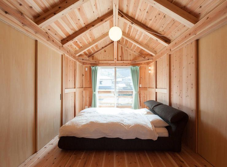 中飯賀業建築研究所 Country style bedroom