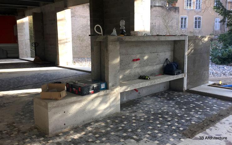 Chantier - Le meuble d'entrée en béton côté séjour 3B Architecture