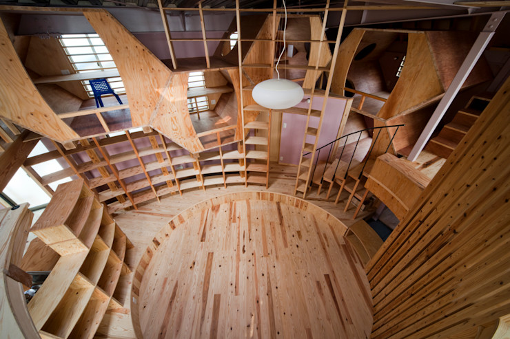 リビング '本丸' 一級建築士事務所 東島鋭建築設計工房 オリジナルデザインの リビング