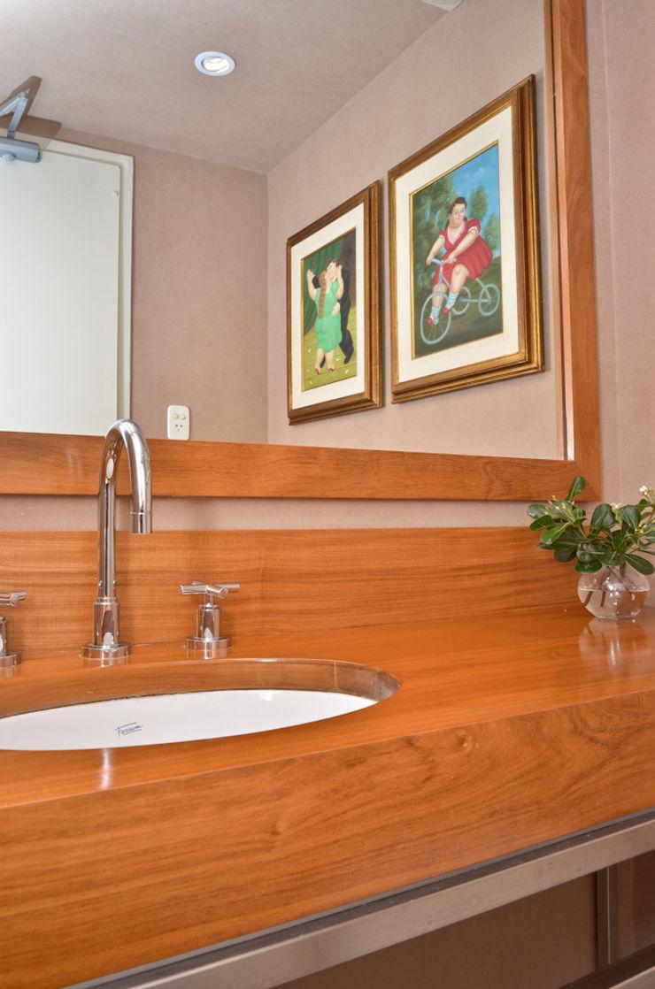 Piso en Palermo 1 & Casa en Libertador GUTMAN+LEHRER ARQUITECTAS Moderne Badezimmer