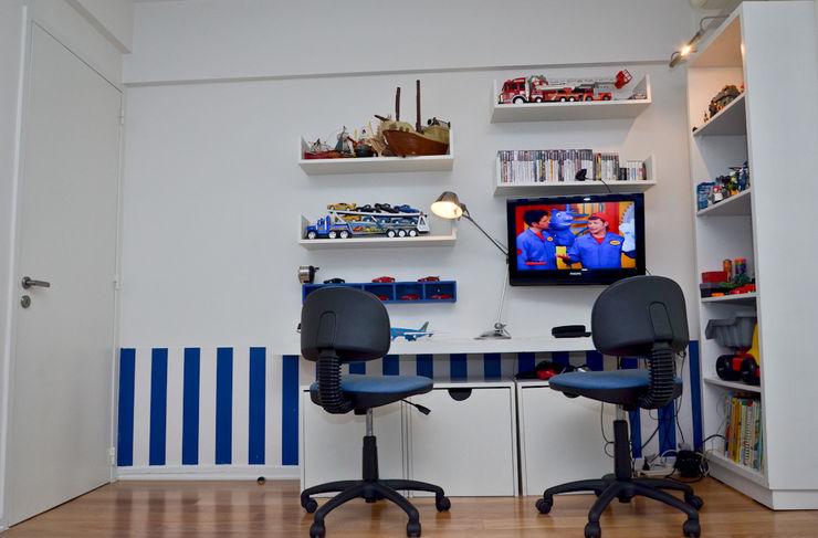 Piso en Palermo 1 & Casa en Libertador GUTMAN+LEHRER ARQUITECTAS Moderne Arbeitszimmer