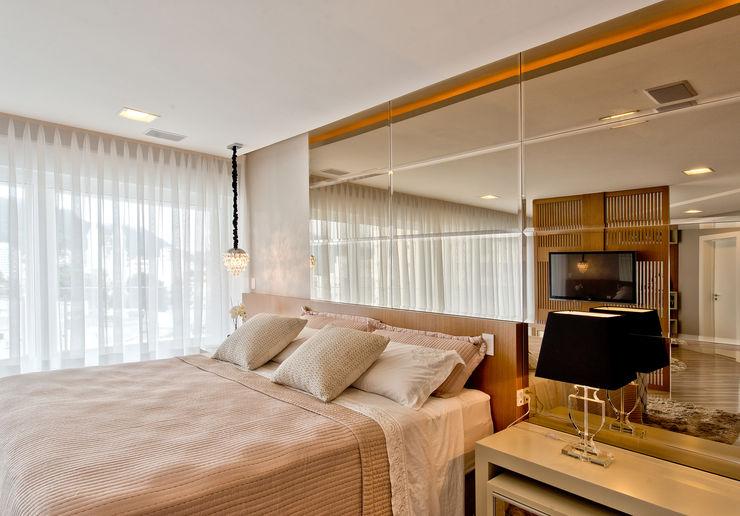 Espaço do Traço arquitetura BedroomBeds & headboards