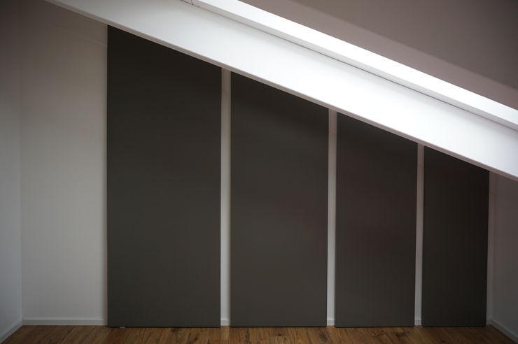 Armadiatura a muro. Plus Concept Studio Camera da lettoArmadi & Cassettiere