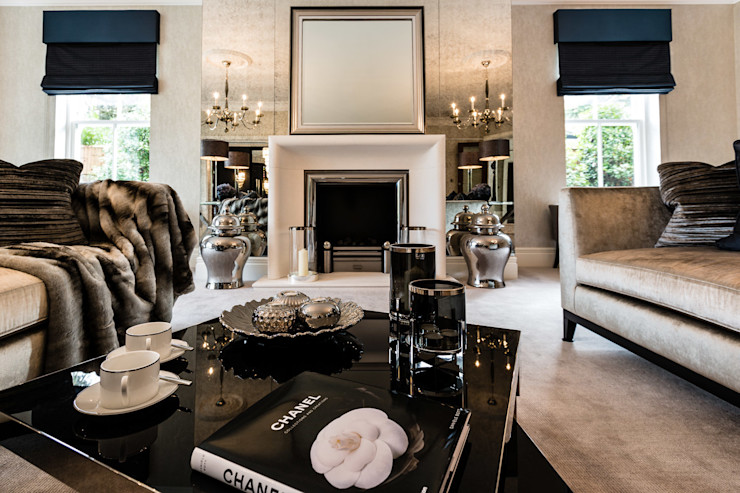 Living Room with Fireplace Luke Cartledge Photography Salas de estar clássicas