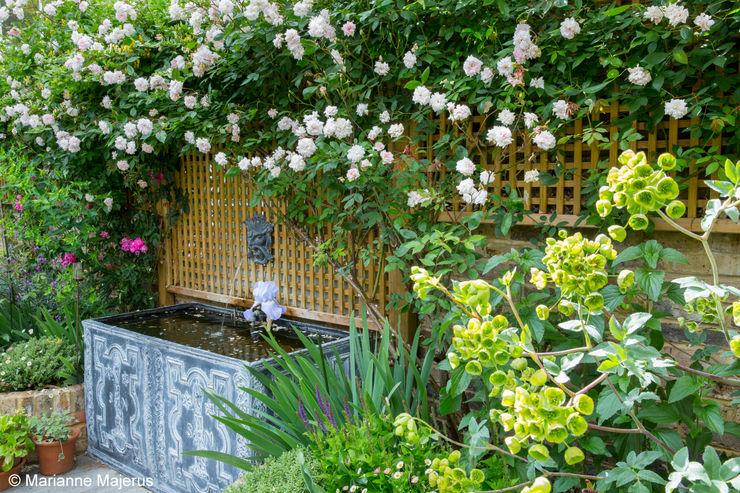 Terraced Courtyard Garden Design homify Garden Accessories & decoration