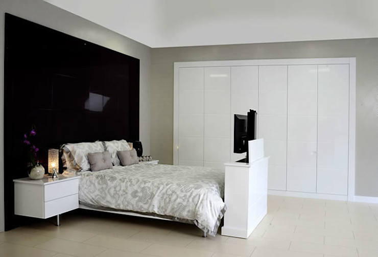 Tuscany Fitted Bedroom Furniture homify ChambrePenderies et commodes