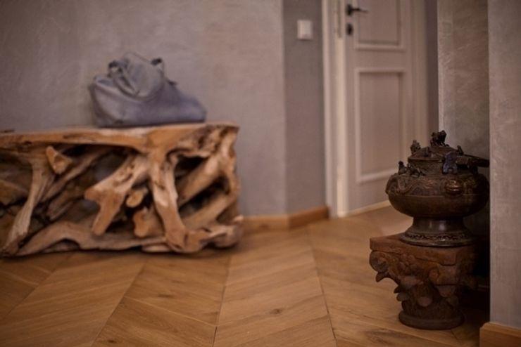 Дизайн-студия интерьера 'ART-B.O.s' Eclectic style corridor, hallway & stairs