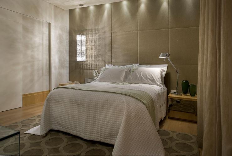 Gláucia Britto Modern Bedroom