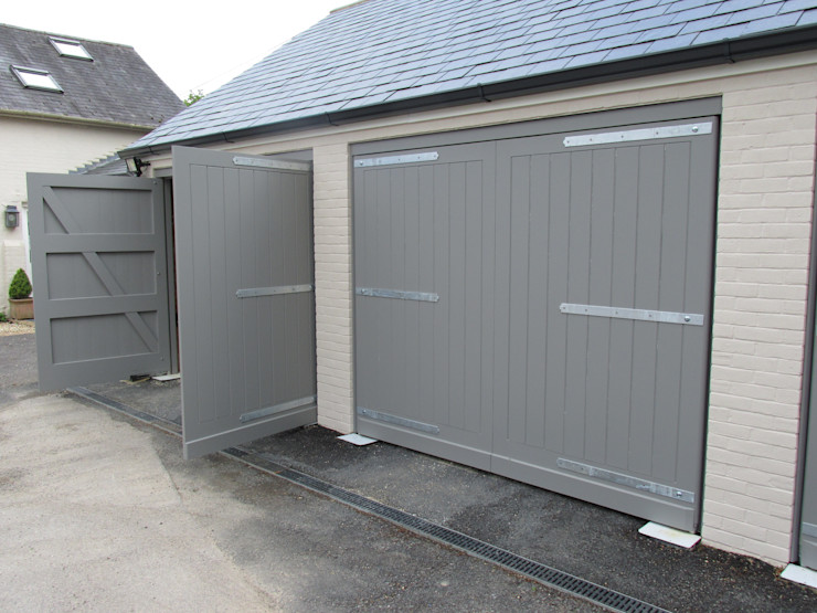 Remote control enabled access Portcullis Electric Gates Modern garage/shed