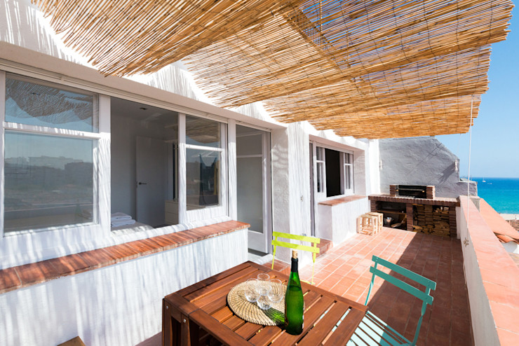 LF24 Arquitectura Interiorismo Modern Balkon, Veranda & Teras