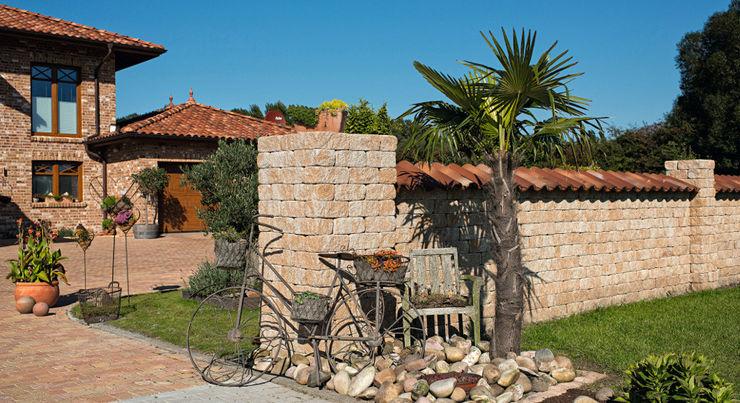 Gartenmauer Rimini Baustoffe GmbH Mediterraner Garten Beige