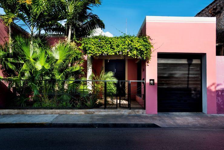 Fachada Taller Estilo Arquitectura Casas modernas Rosa