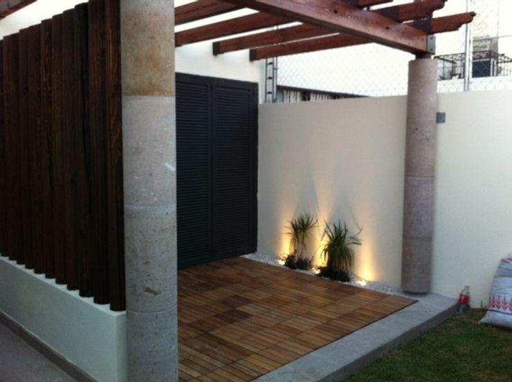 homify Balcones y terrazas de estilo minimalista