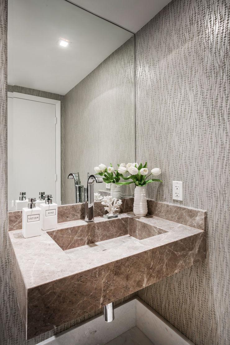 Regina Claudia p. Galletti Modern bathroom