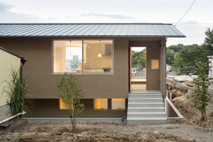 市原忍建築設計事務所 / Shinobu Ichihara Architects Scandinavische huizen Massief hout Beige