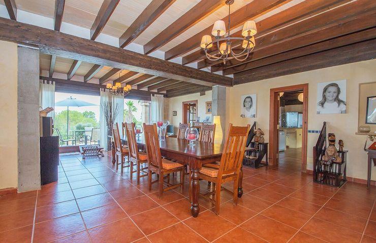 Villa S'Aranjassa Lola ComedorAccesorios y decoración Madera maciza Acabado en madera
