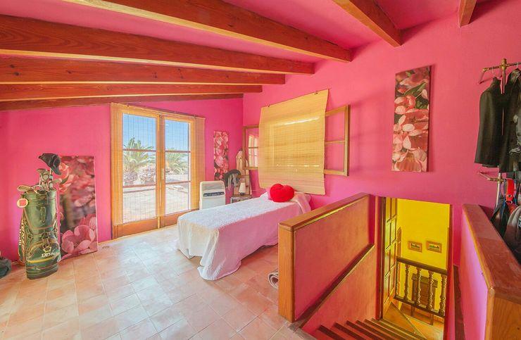 Villa S'Aranjassa Lola DormitoriosAccesorios y decoración Madera Rosa