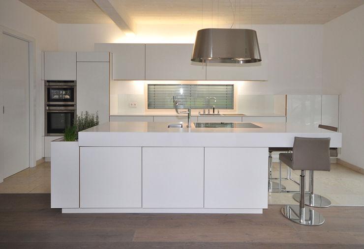 bergnerdesign 現代廚房設計點子、靈感&圖片