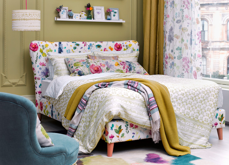 Eliza King Size Bed Frame in Bluebellgray fabric Button & Sprung 침실침대 & 헤드 보드 멀티 컬러
