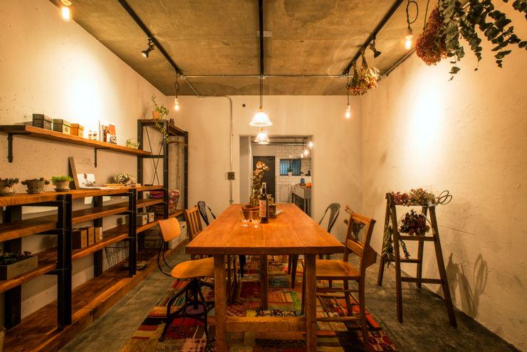 株式会社SHOEI Eclectic style offices & stores