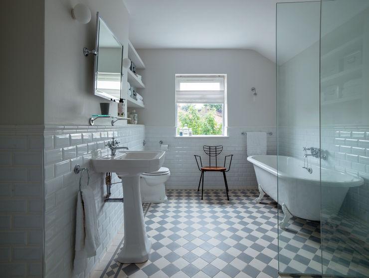 Bathroom homify Baños de estilo moderno