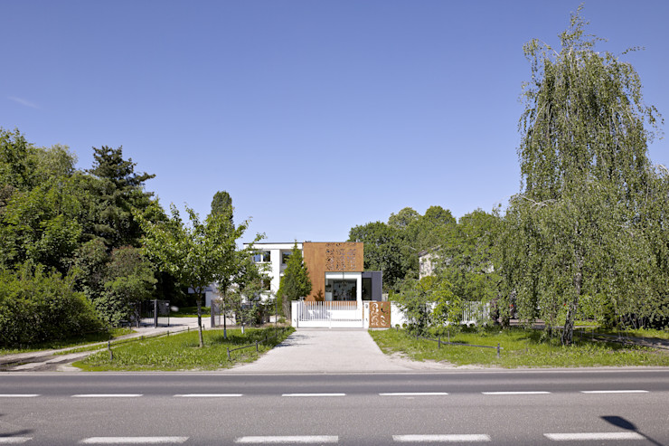 PERFORATED HOUSE EXTERIOR KLUJ ARCHITEKCI Nowoczesne domy