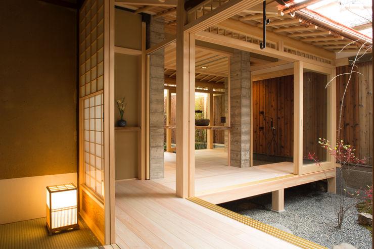一級建築士事務所 (有)BOFアーキテクツ Eclectic style bathroom