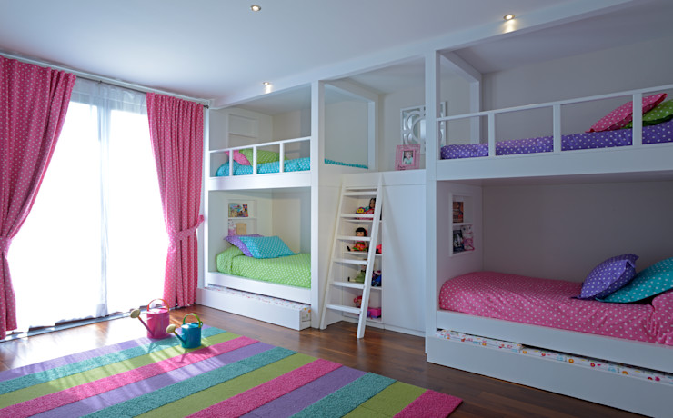 homify Modern Kid's Room Wood White