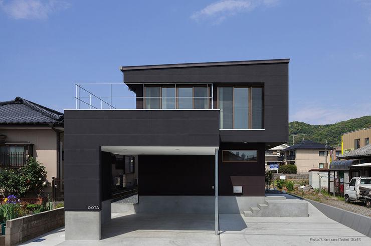 松岡健治一級建築士事務所 Casas de estilo minimalista
