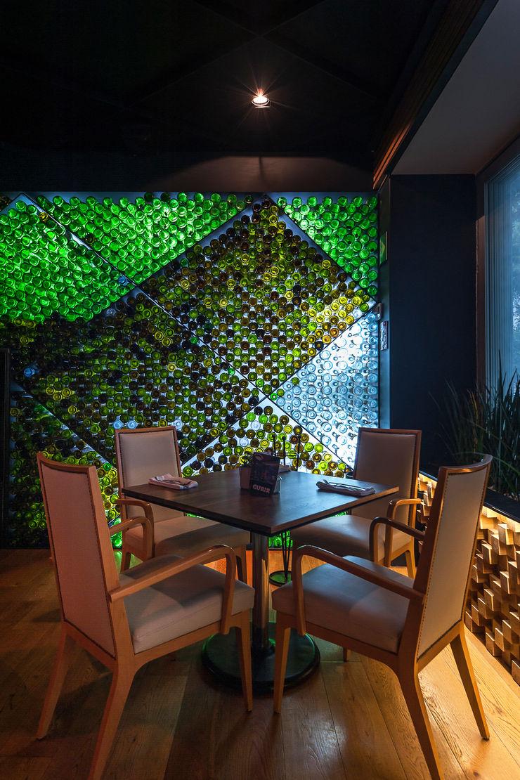 TERRAZA GURIA TENTER Arquitectura y Diseño Bares y clubs de estilo moderno Acabado en madera