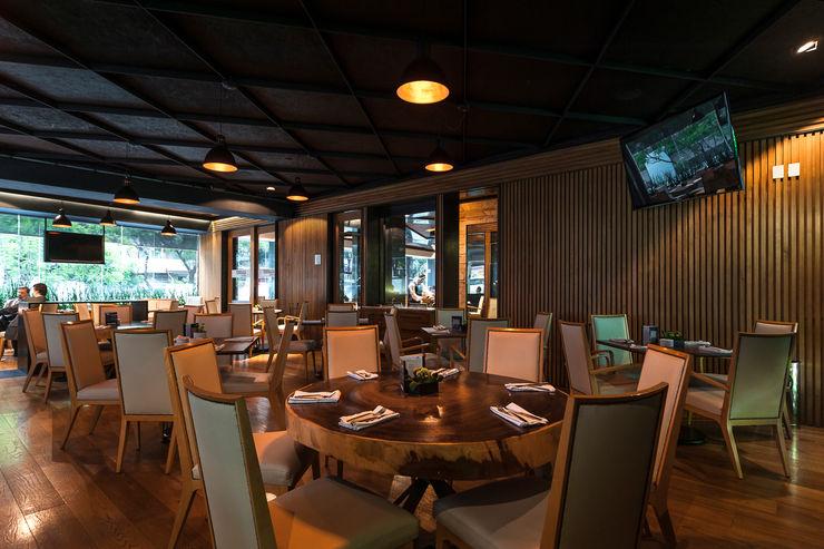 TERRAZA GURIA TENTER Arquitectura y Diseño Bares y clubs de estilo moderno Madera Acabado en madera