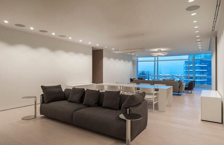 ST. REGIS 2301 TENTER Arquitectura y Diseño Salas multimedia modernas Madera Blanco