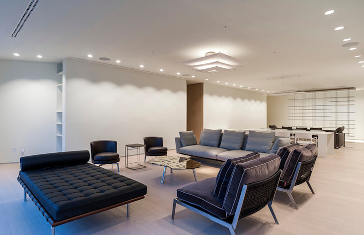 ST. REGIS 2301 TENTER Arquitectura y Diseño Salones modernos Madera Blanco