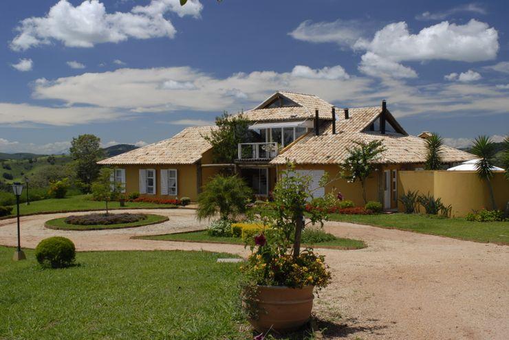 Carmen Saraiva Arquitetura Rustikale Häuser