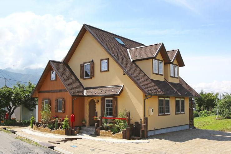 株式会社アートカフェ Country style house Brown