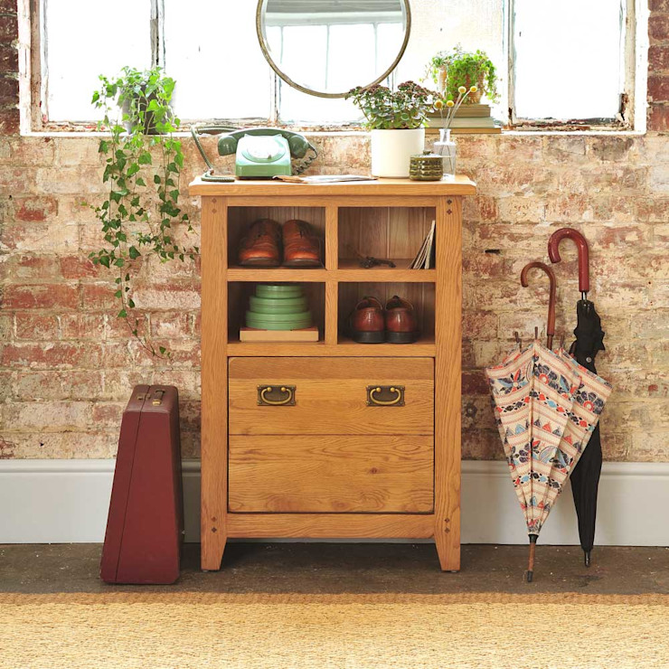 Oakland Shoe Cupboard and Organiser The Cotswold Company 乡村风格的走廊,走廊和楼梯 木頭