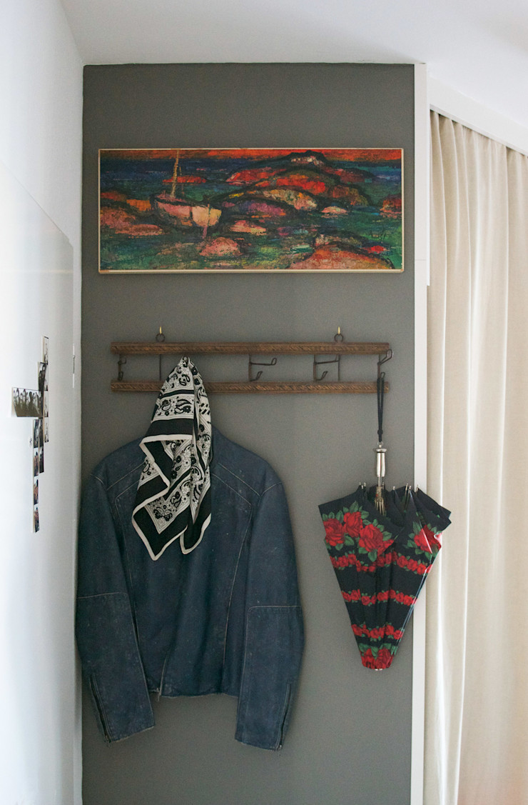 Mighty Vintage Eclectic style corridor, hallway & stairs