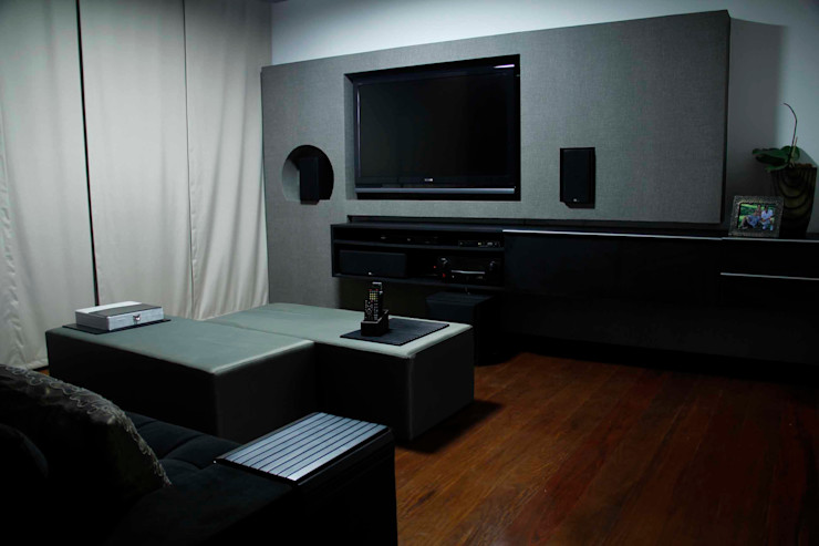 Na Lupa Design Classic style media room