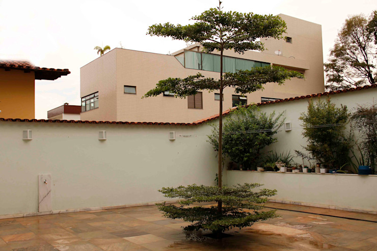 Na Lupa Design Classic style balcony, veranda & terrace