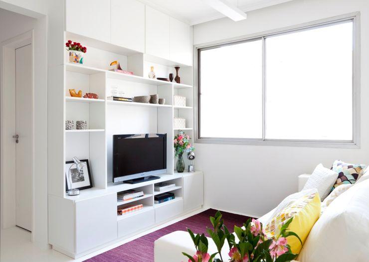 Estudio MB Living roomTV stands & cabinets