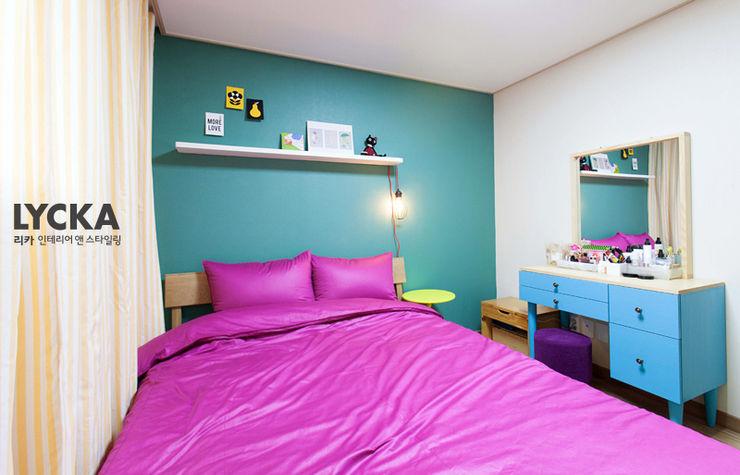 비비드 컬러를 사용한 홈스타일링 LYCKA interior & styling 스칸디나비아 침실