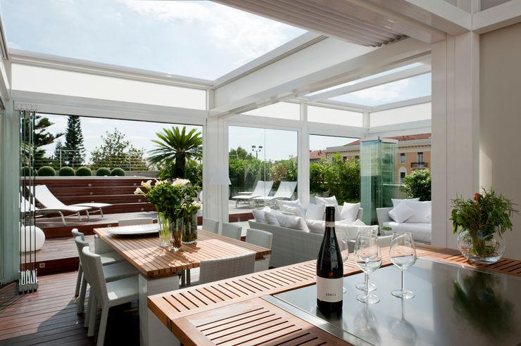 Casa Alassio Francesca Cirilli Balcone, Veranda & Terrazza in stile moderno