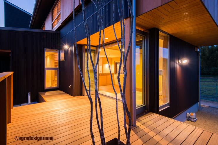 存在に価値がある、出たくなるデッキ アグラ設計室一級建築士事務所 agra design room モダンな 家