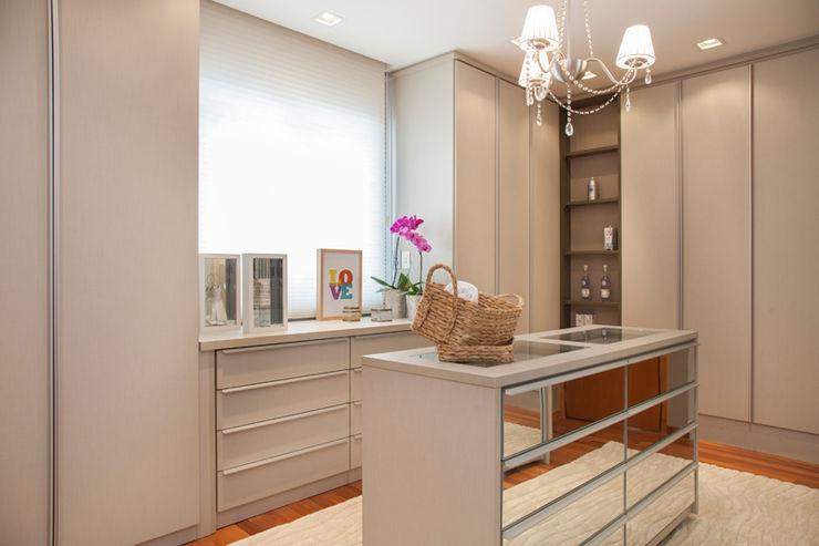 Arquitetura 8 - Ana Spagnuolo & Marcos Ribeiro Modern dressing room