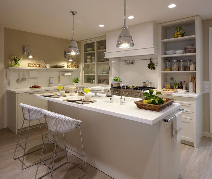 DEULONDER arquitectura domestica Cucina eclettica Bianco