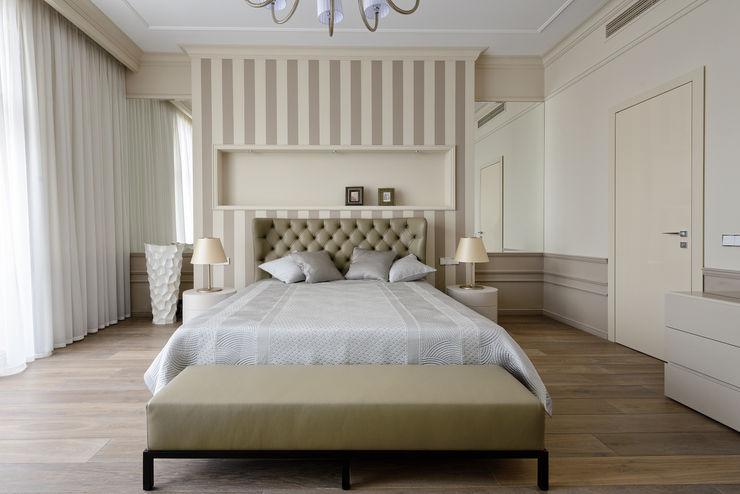 Дизайн-студия «ARTof3L» Dormitorios clásicos Beige