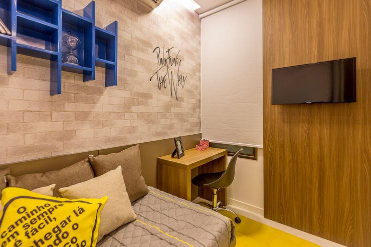Flávio Monteiro Arquitetos Associados Modern style bedroom Yellow