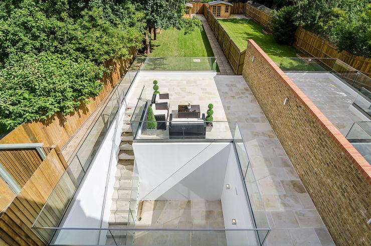 Oakhill Road, Putney Concept Eight Architects Modern balcony, veranda & terrace