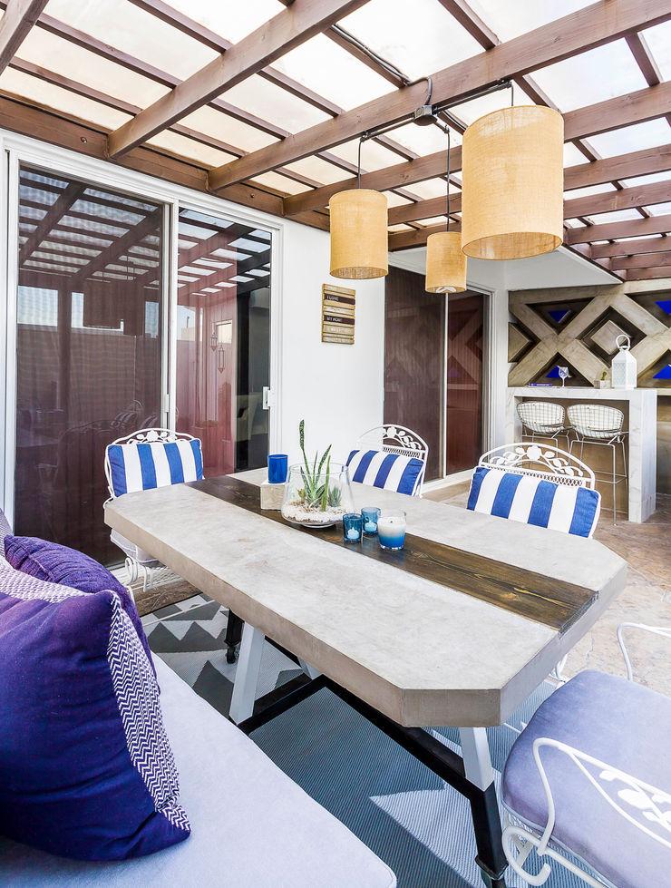 SZTUKA Laboratorio Creativo de Arquitectura Eclectic style houses Blue